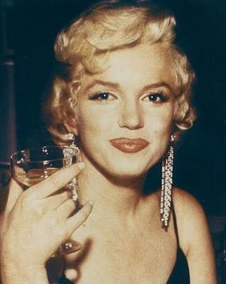 marylin-monroe champagne glass